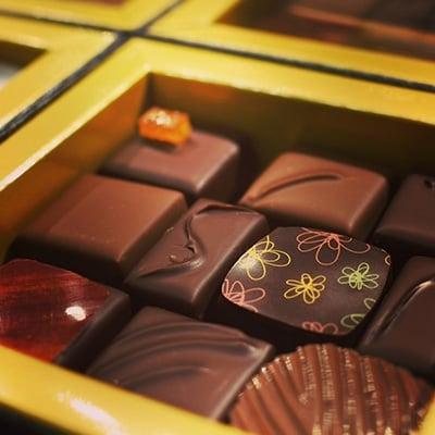 チョコレート専門店のオリジナルボンボンショコラセットA