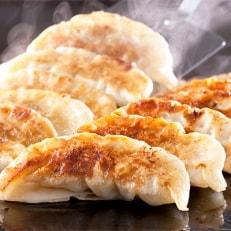 エビ入り餃子と九州産黒豚餃子セットの計50個(福岡県内製造お礼品)