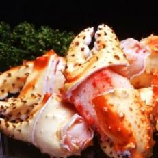 タラバガニの旨味を凝縮した爪だけのセット。希少部位ボイルタラバガニ爪8玉~9玉前後×2箱