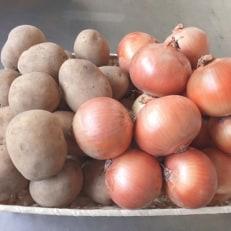 馬鈴薯(アイユタカ)約10kg・玉葱約5kg