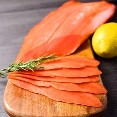 天然紅鮭無添加スモークサーモン半身(スライス4分割)