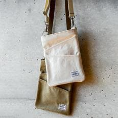 地中美術館オリジナルシザーバッグ(ベージュ)
