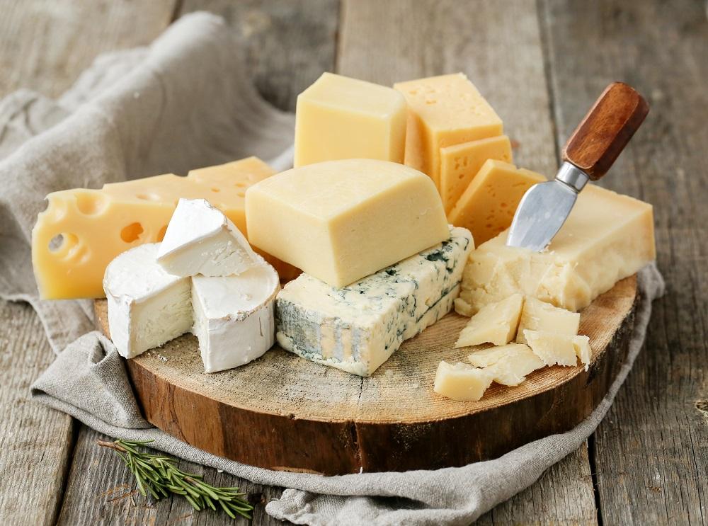 国内産のチーズも充実
