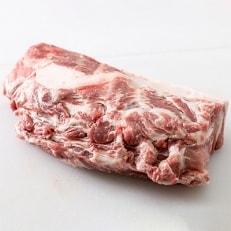工場直送・鮮度抜群・ダイナミック 【ふくよか豚】豚肩ロースブロック 約2kg