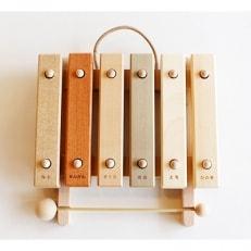 小さな森の合唱団 童話版 木琴【音色も豊かな知育玩具。持ち運びも便利な小サイズ】