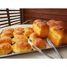 甘麹食パン3本とバターリュスティック 12個のセット