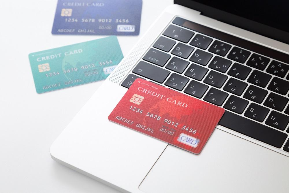 海外旅行の両替はクレカで海外キャッシング 大手3社のカードでATMから100元引き出し、手数料やレートを比較しました。