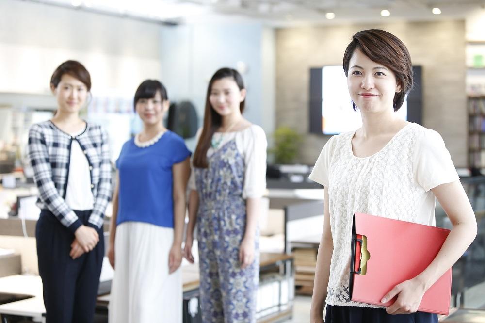専業主婦という結婚後の選択肢を外した方がよいような社会状況になってきている
