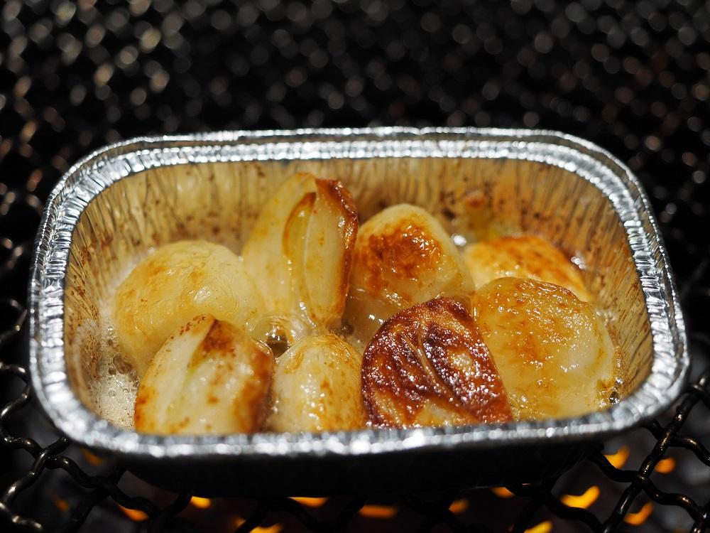 魚焼きグリルで焼くにんにくのホイル焼き