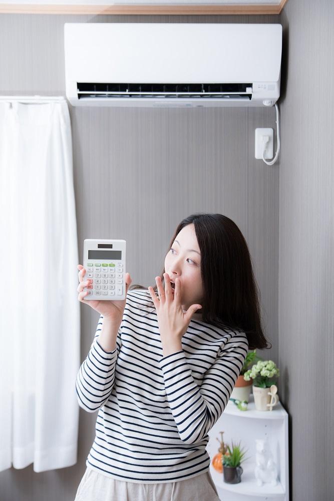 気になるのがエアコンなどを使った際の「電気料金」