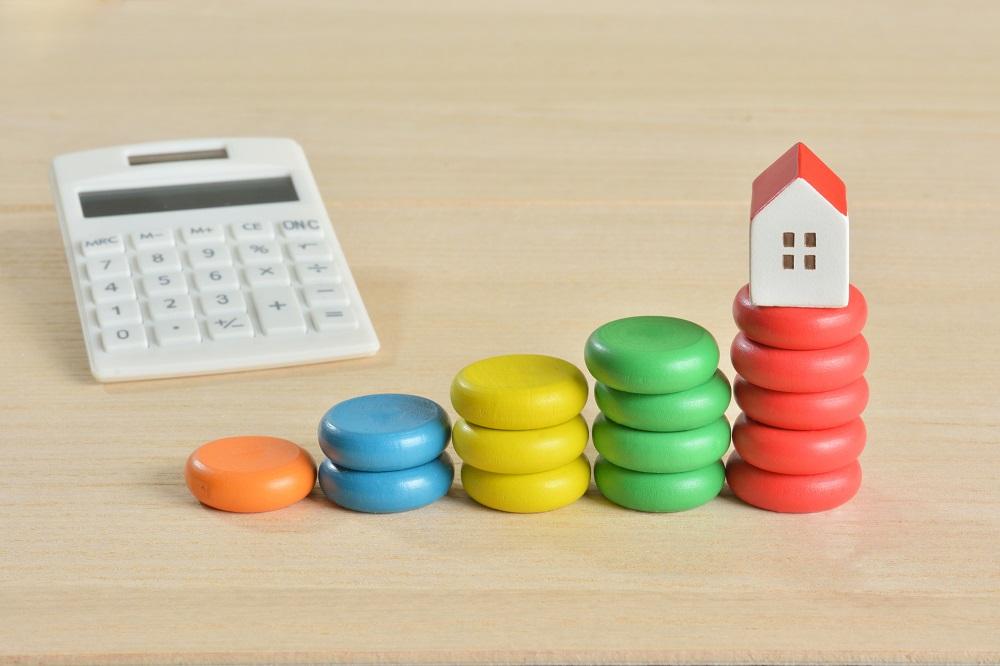住宅ローンの固定金利は長期金利と、変動金利は短期金利と連動している