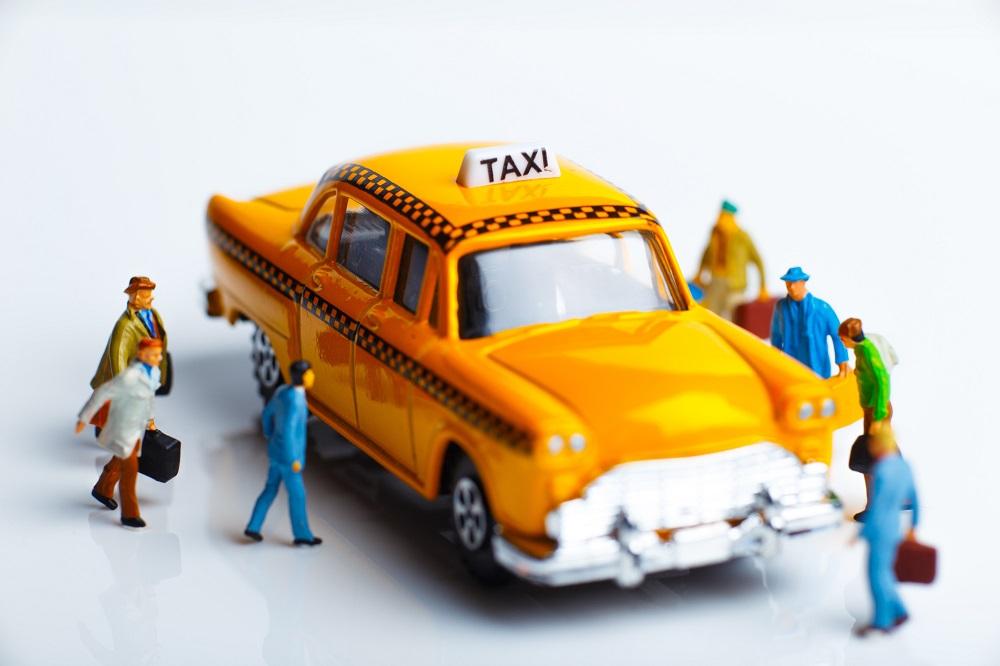 相乗りタクシーで節約